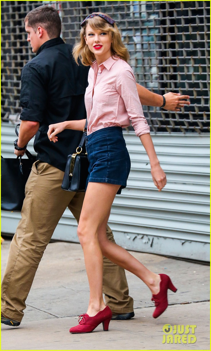 taylor swift works on her fitness with her brother austin 073114807