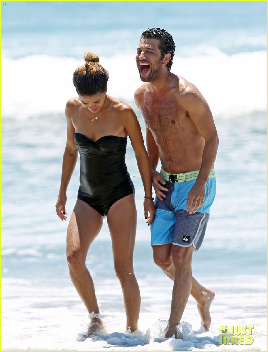 jessica szohr beach boyfriend 023104027