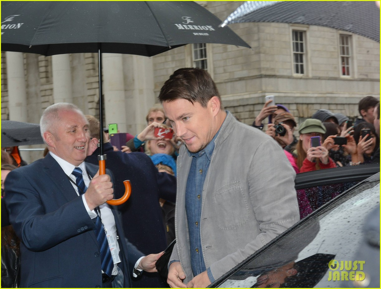 channing tatum jonah hill receive bram stoker awards from trinity college 053120572
