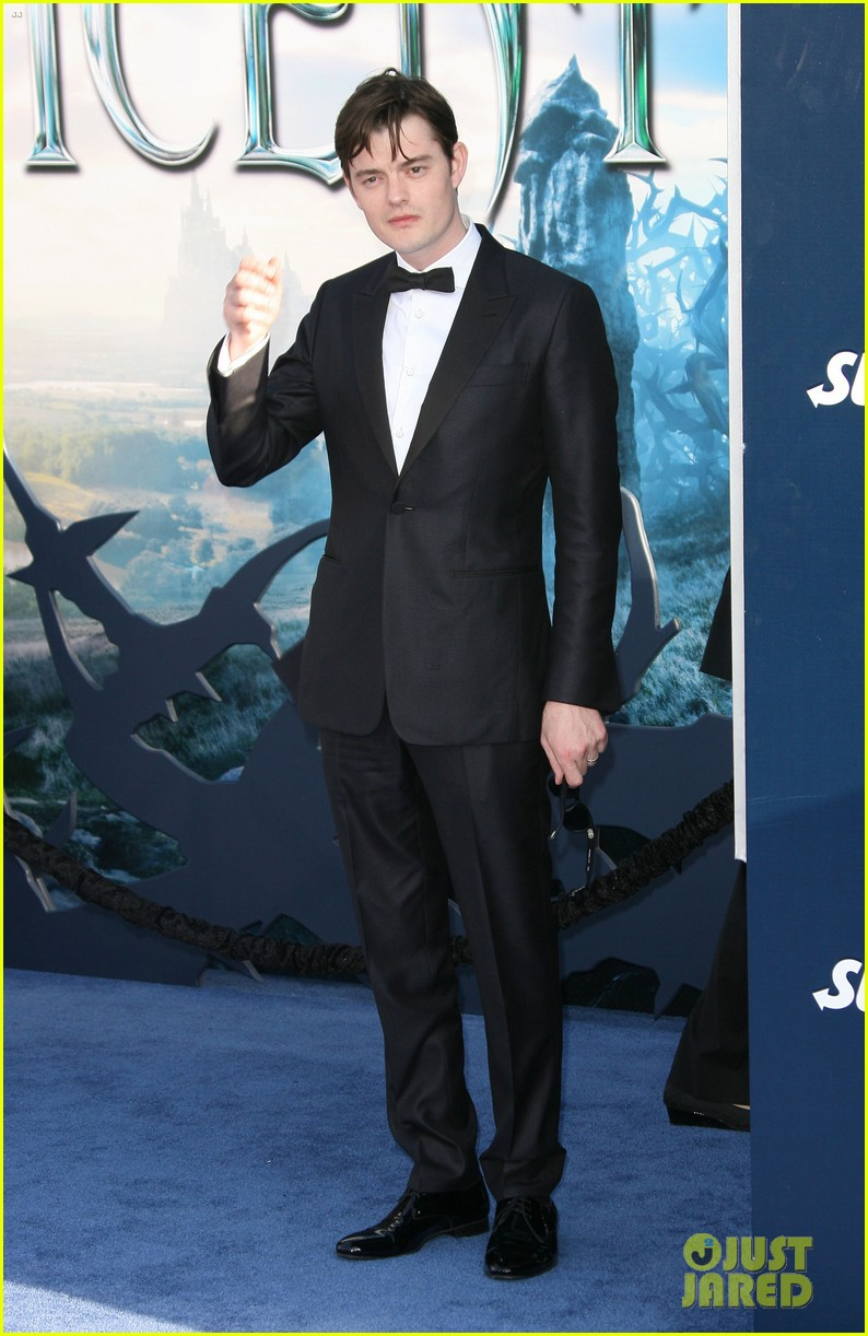 juno temple sam riley suit up for maleficent hollywood premiere 113123733