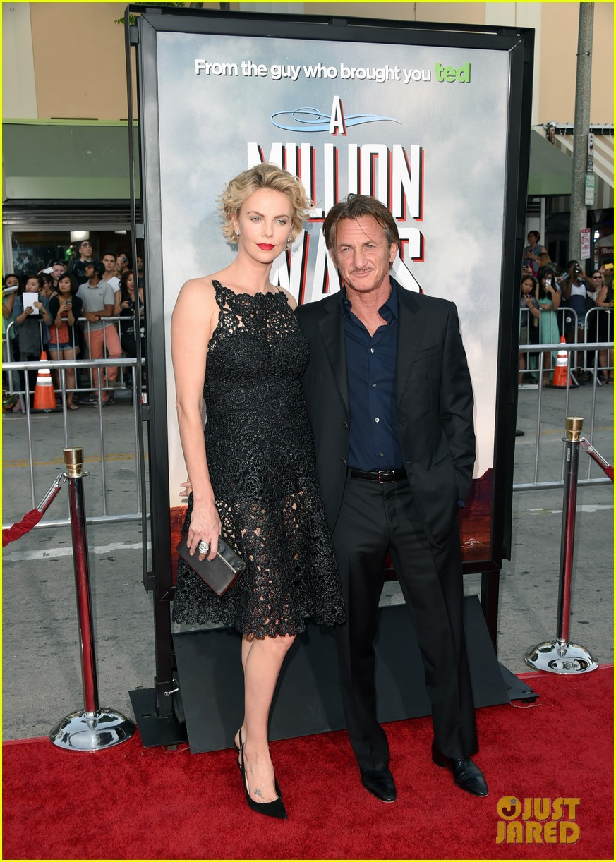 charlize theron sean penn million ways to die premiere 053114625