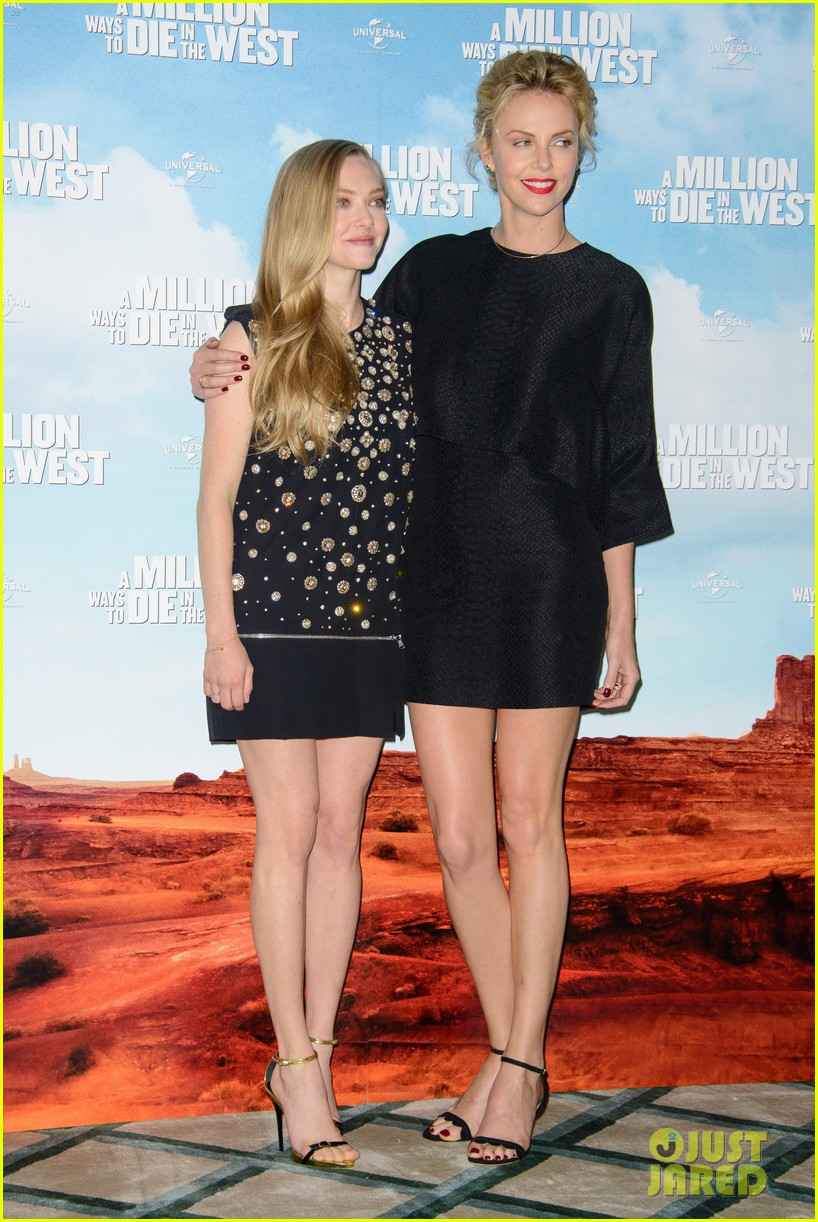 charlize theron amanda seyfried display long legs a million ways photo call 153122664