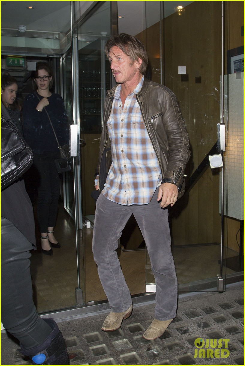 charlize theron sean penn step out for memorial day dinner 033122497