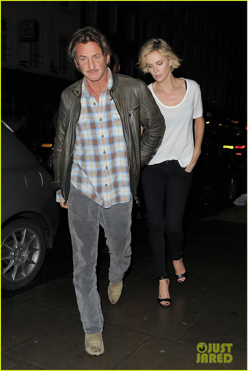 charlize theron sean penn step out for memorial day dinner 043122498