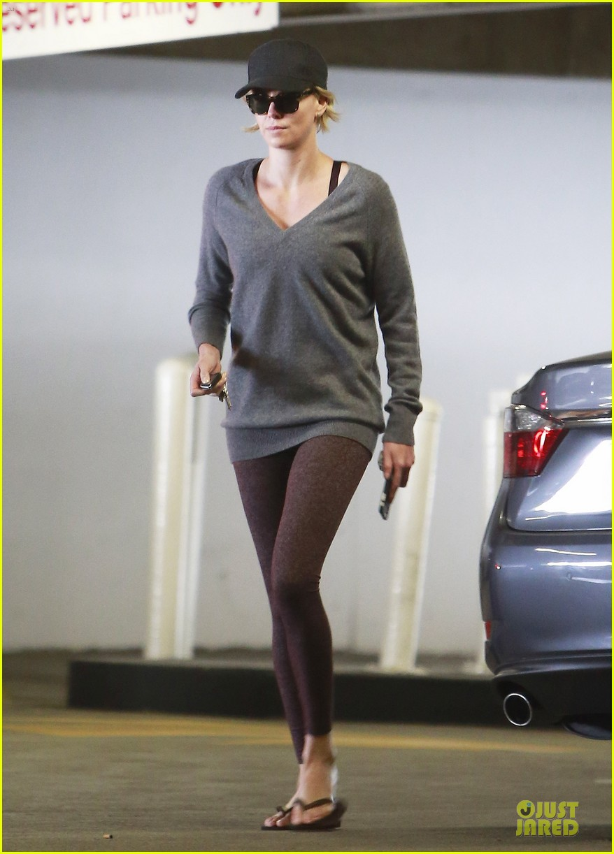 charlize theron transition friendship to relationship 053120307