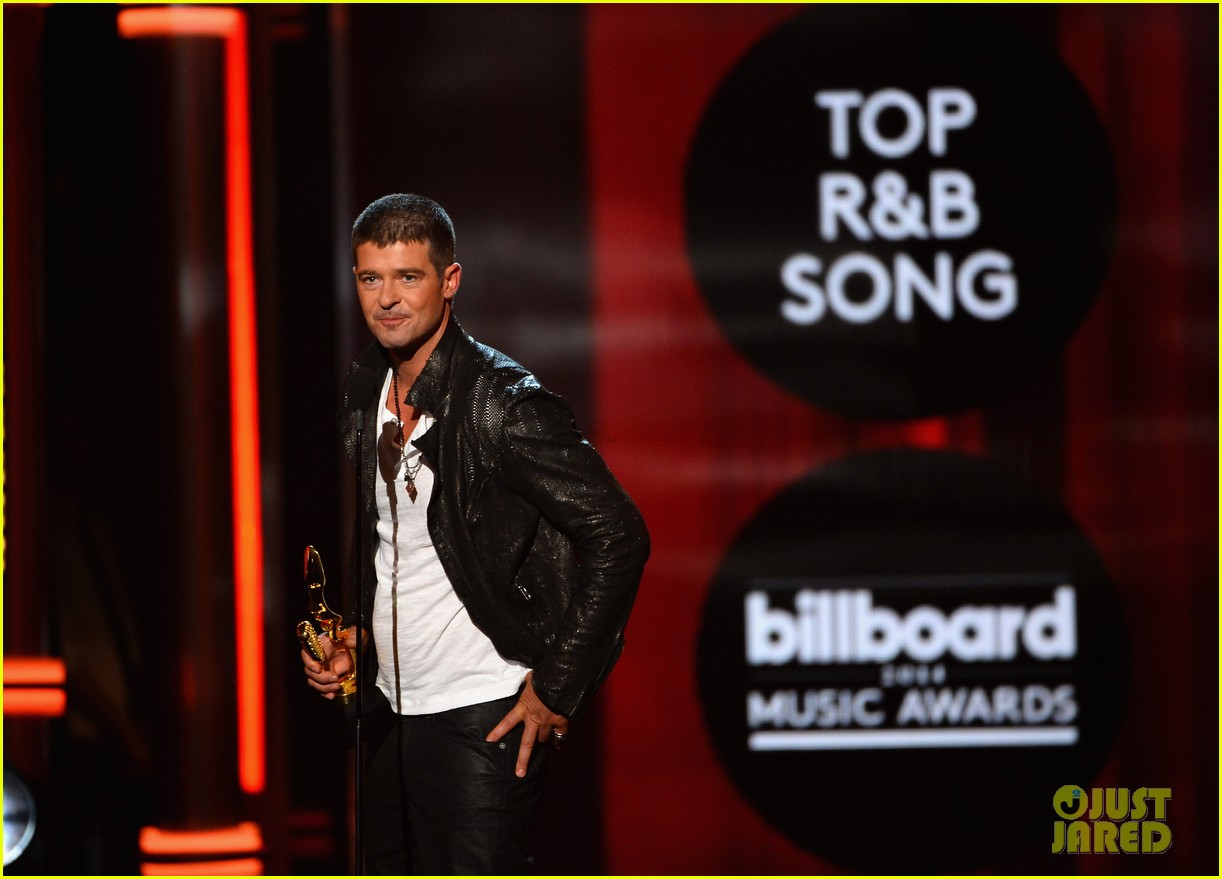 robin thicke billboard music awards 2014 013116898