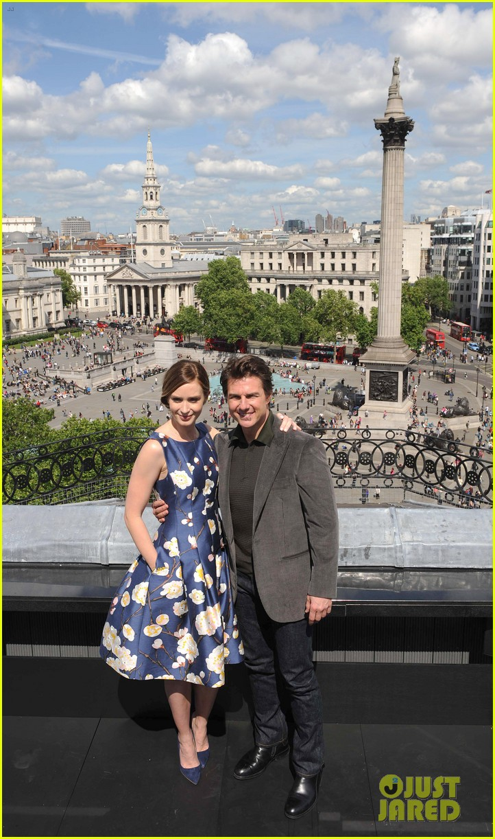 tom cruise emily blunt edge of tomorrow photo call 013122002