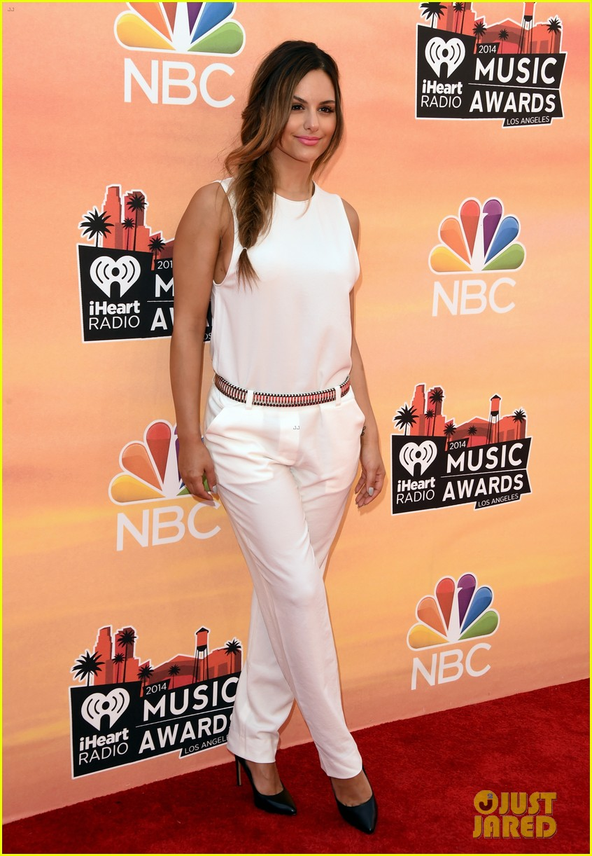 pia toscano bea miller iheartradio music awards 2014 113103269