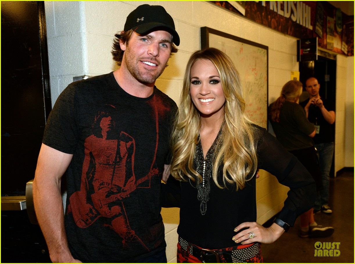 carrie underwood mike fisher were all 4 the hall concert 023107159