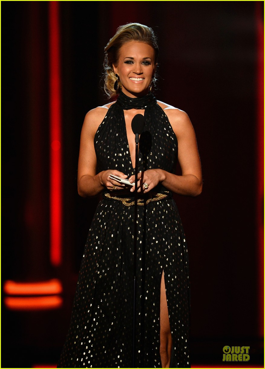 carrie underwood billboard milestone award 04