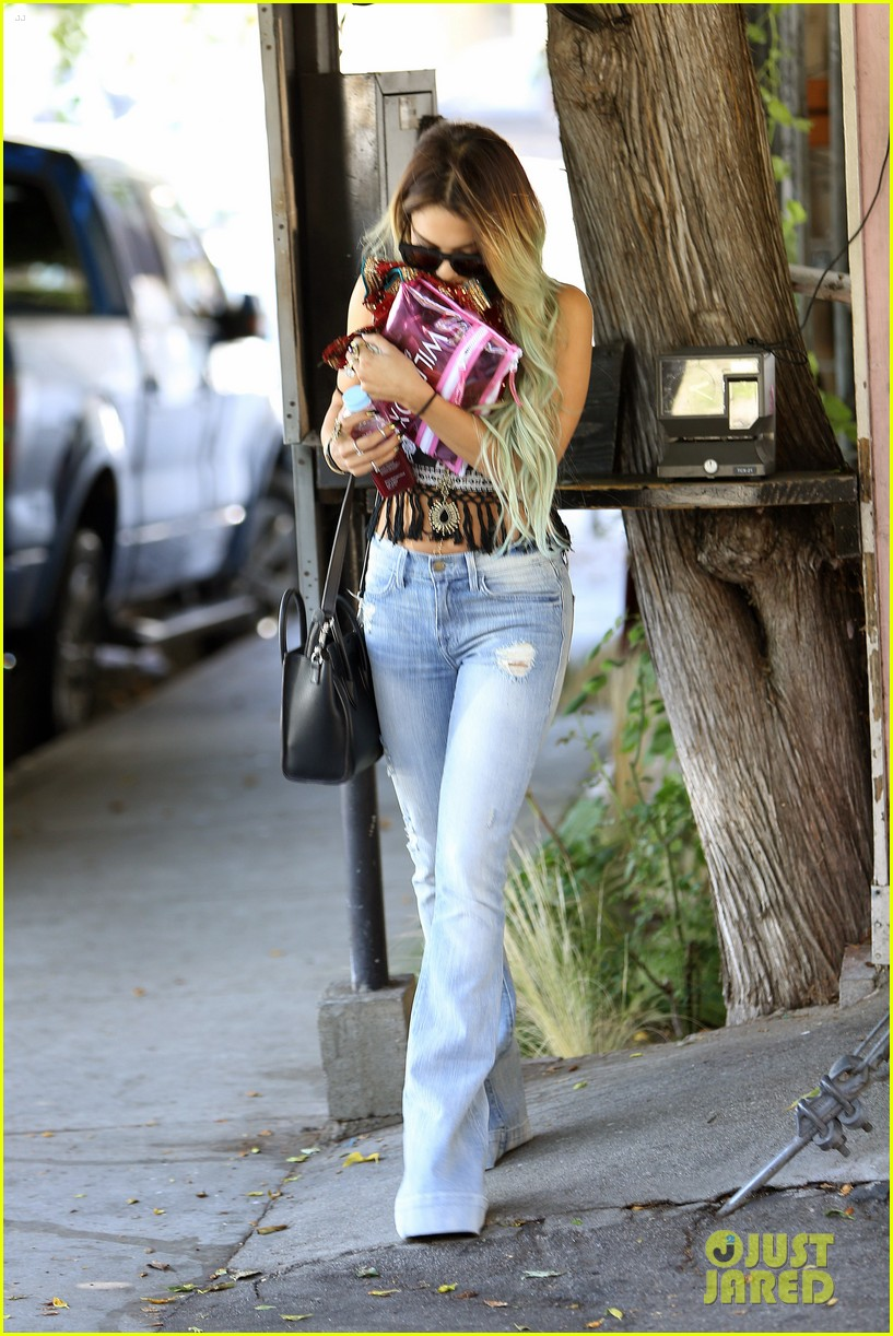 vanessa hudgens ashley tisdale 901 salon stop 053124849