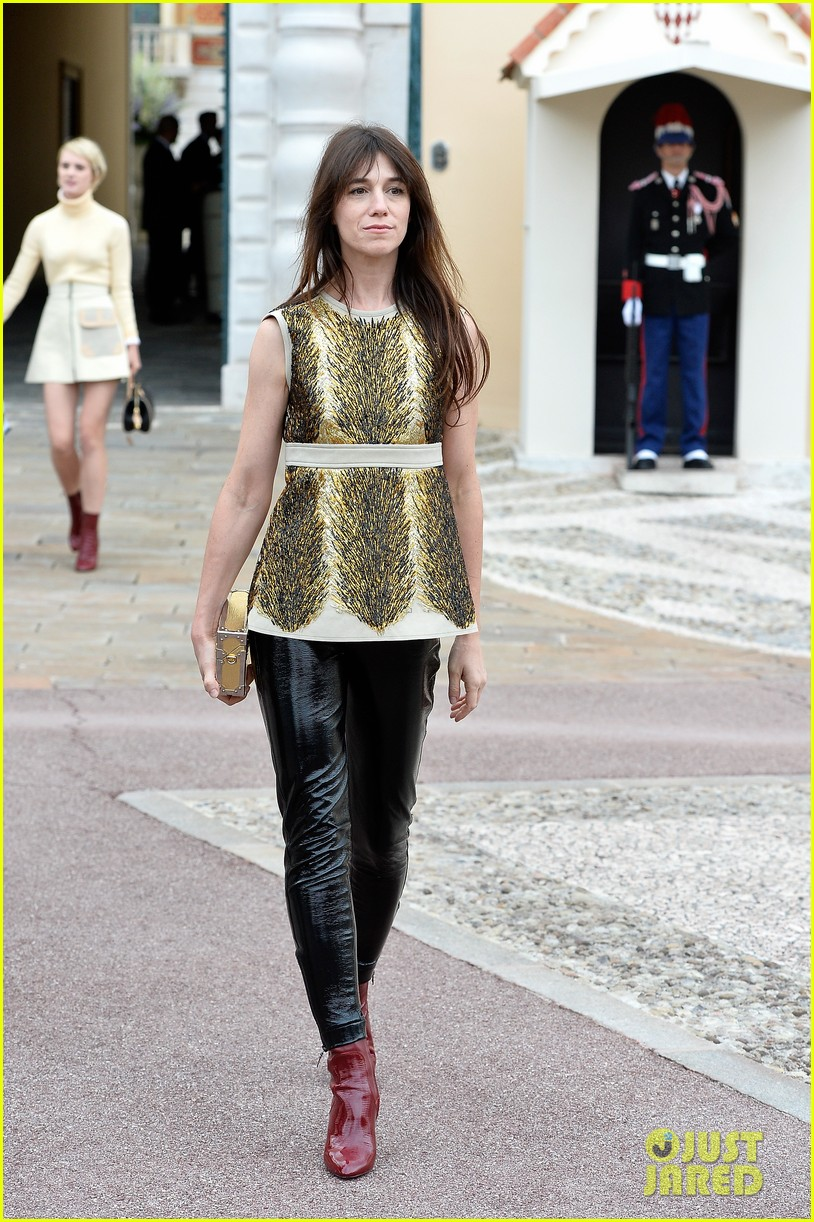 jennifer connlly brit marling louis vuitton fashion show 133116102