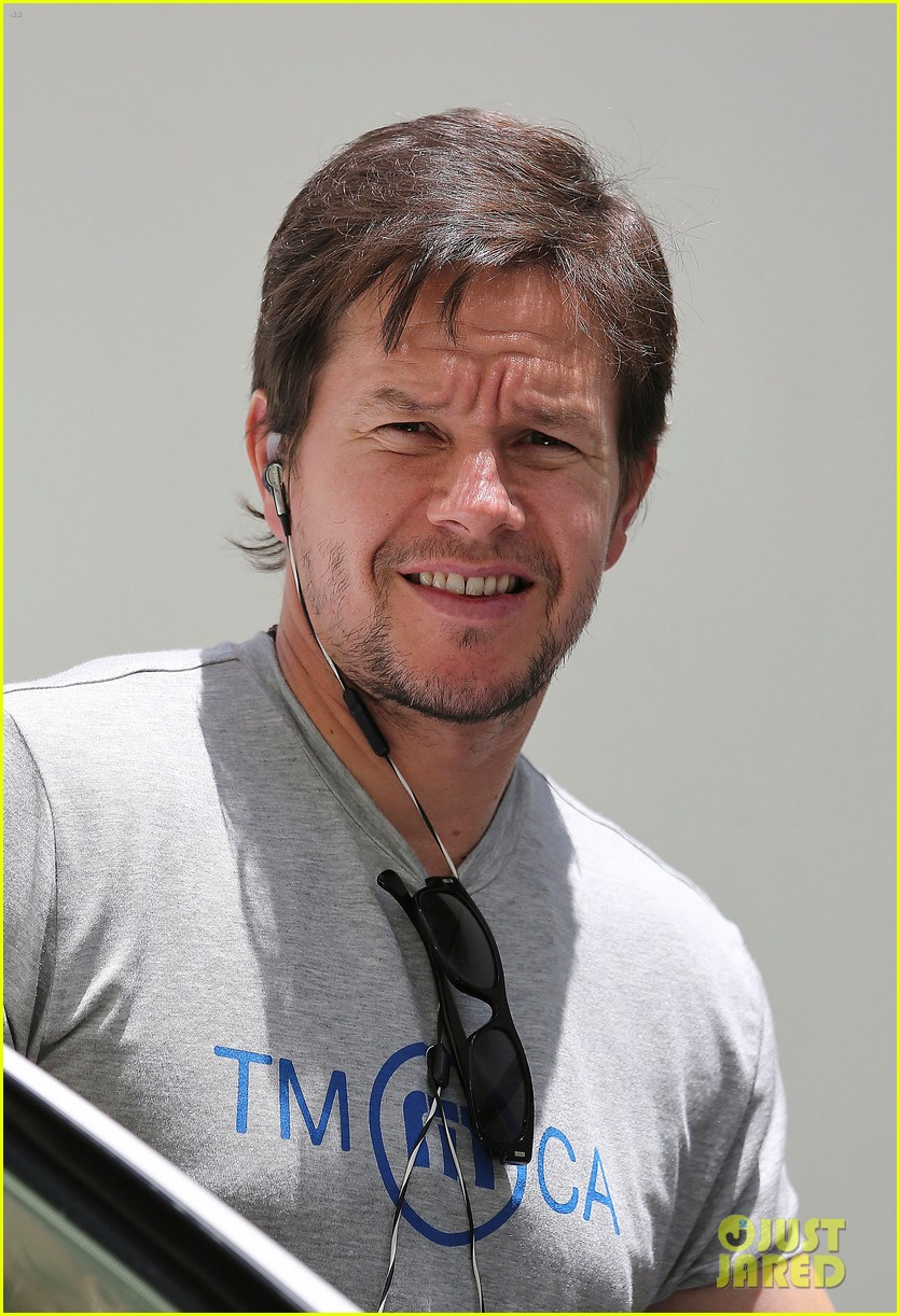 mark wahlbergs muscles are unbelievably huge 063124655