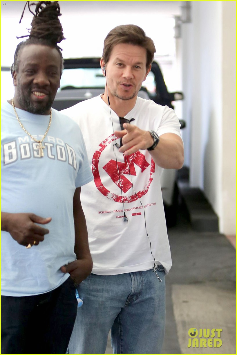 mark wahlberg producing new reality show on mit students 243108409