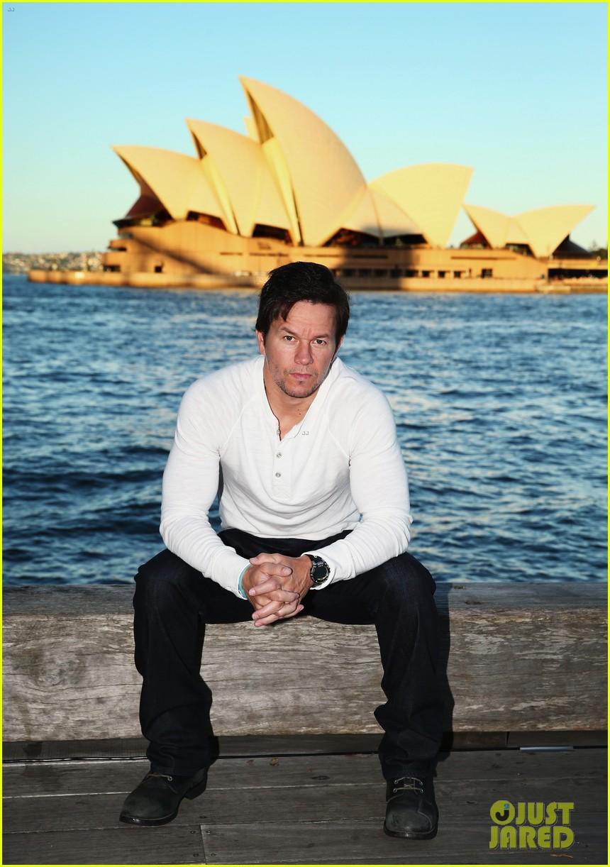mark wahlberg begins transformers 4 promo tour in sydney 023118765
