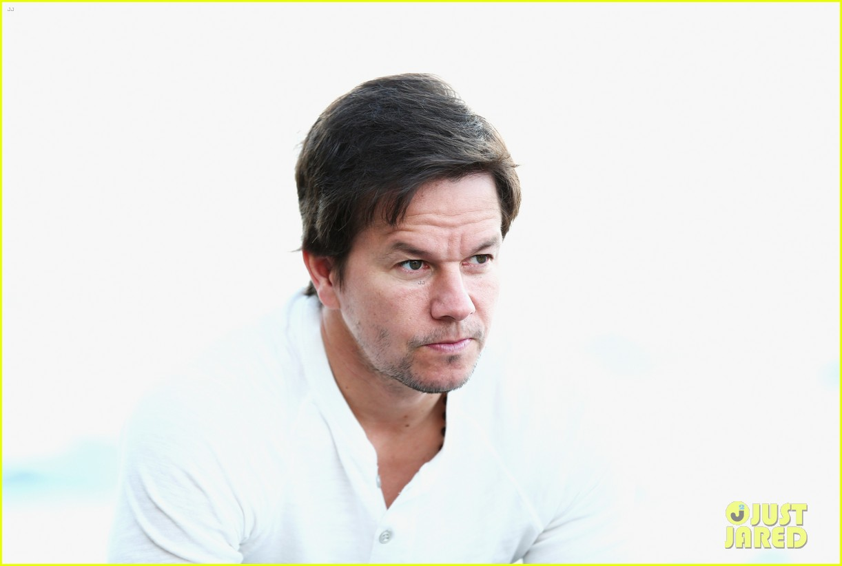 mark wahlberg begins transformers 4 promo tour in sydney 113118774