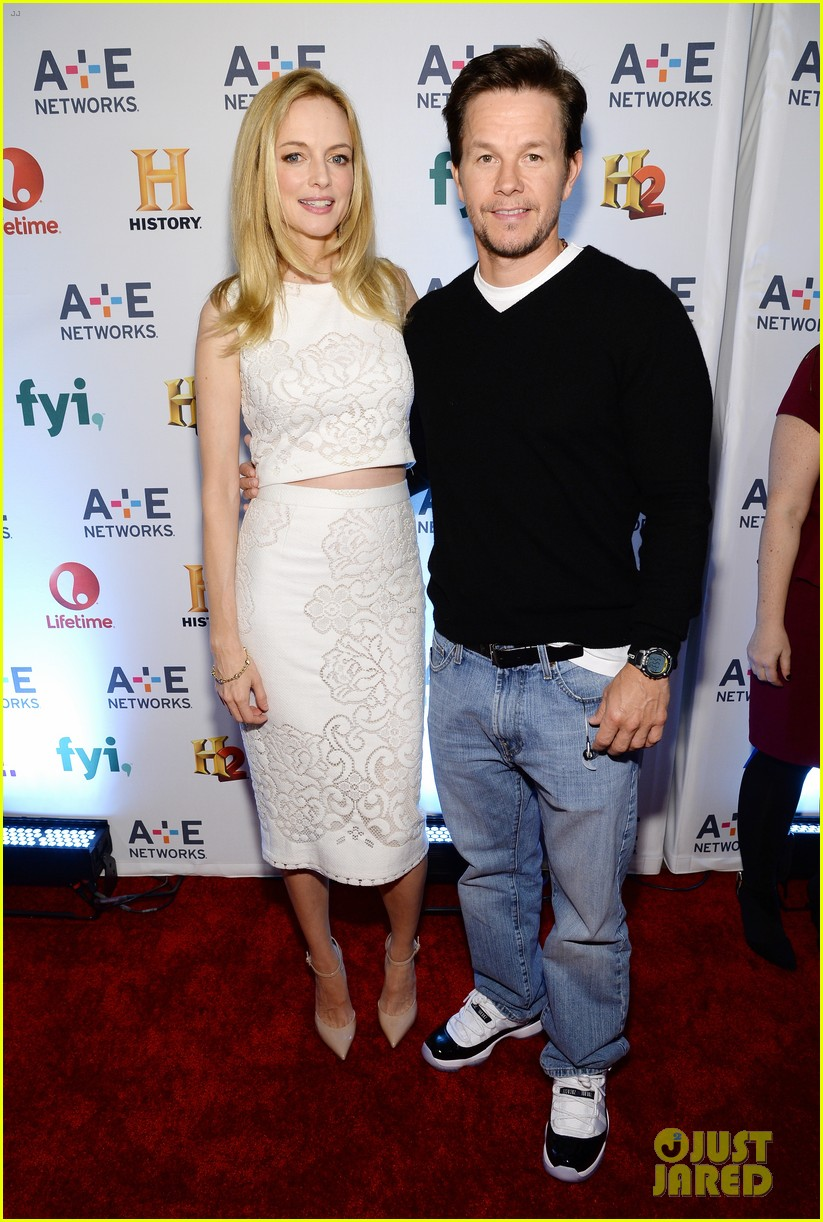 mark wahlberg heather graham buddy up at ae upfronts 083109134