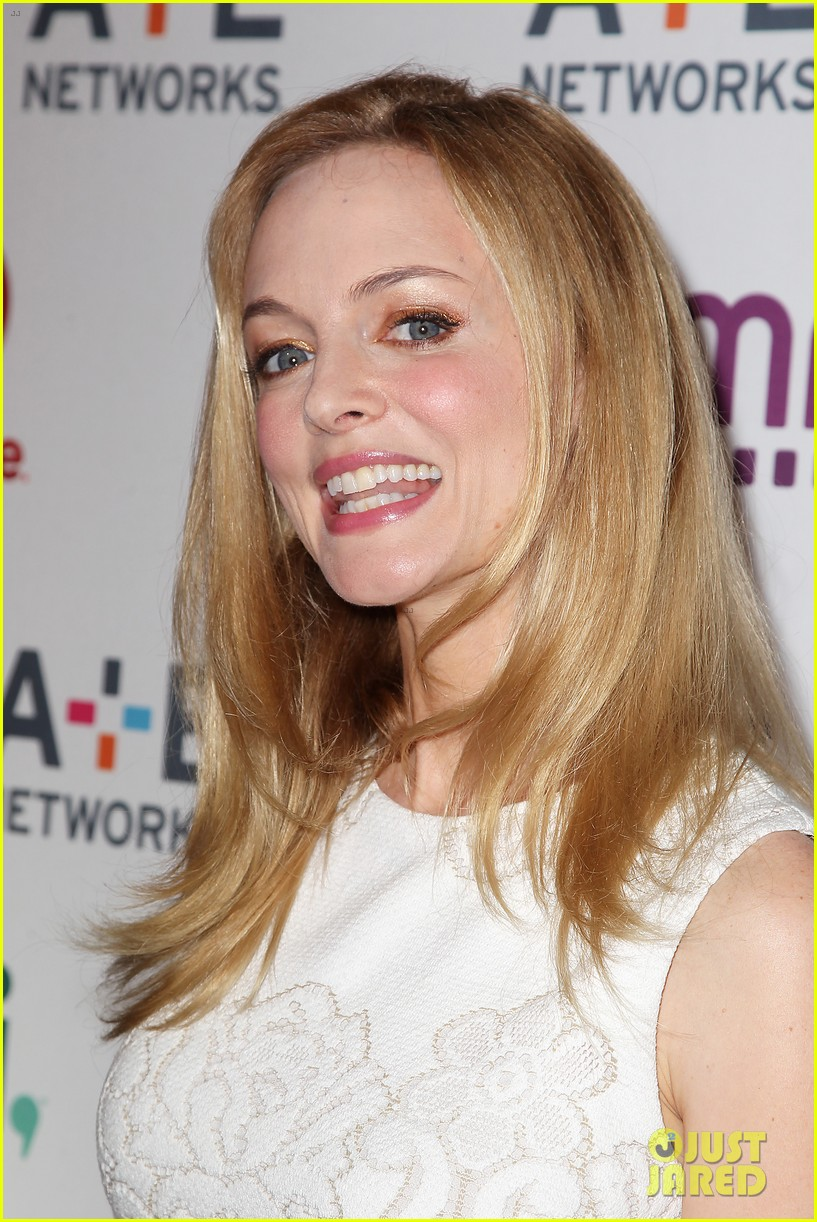 mark wahlberg heather graham buddy up at ae upfronts 27