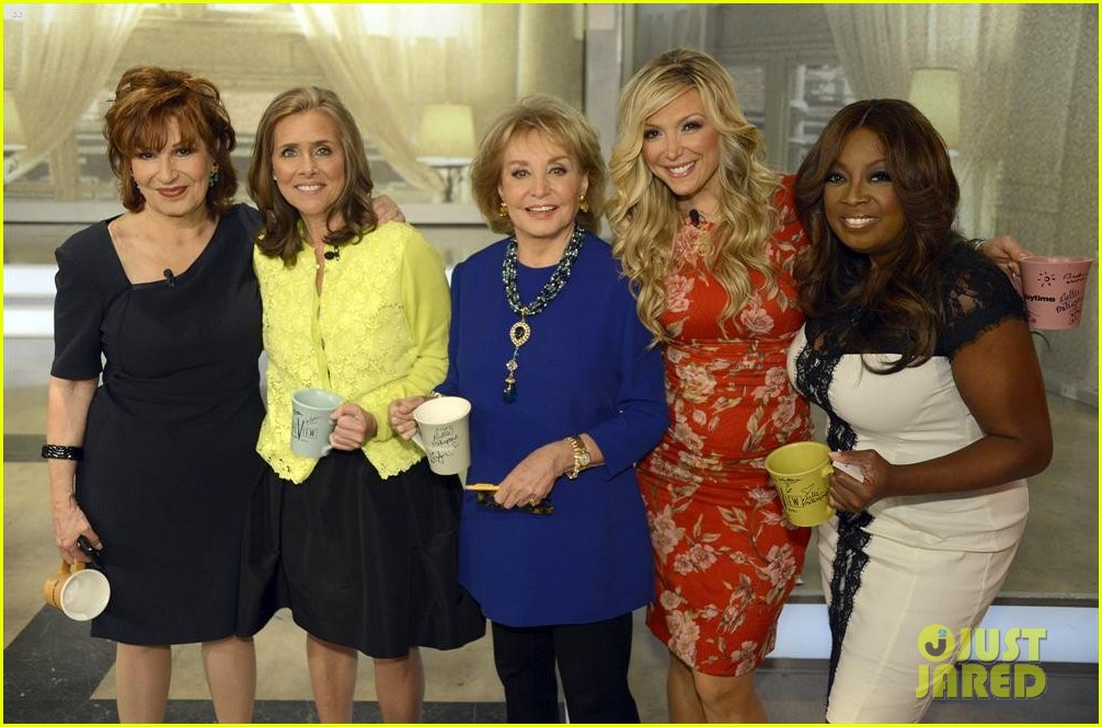 barbara walters final view episode brings out newscasters 063115045