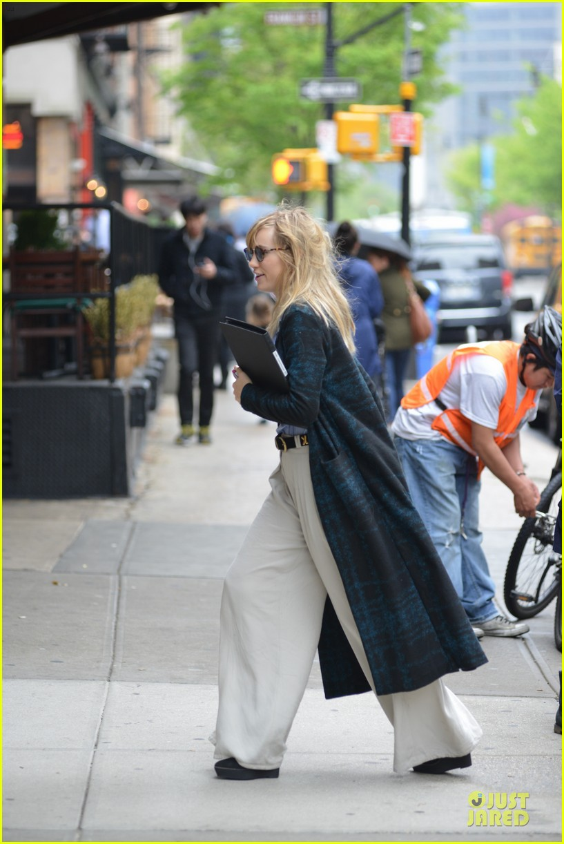 suki waterhouse wedding while prepping for met 063109747