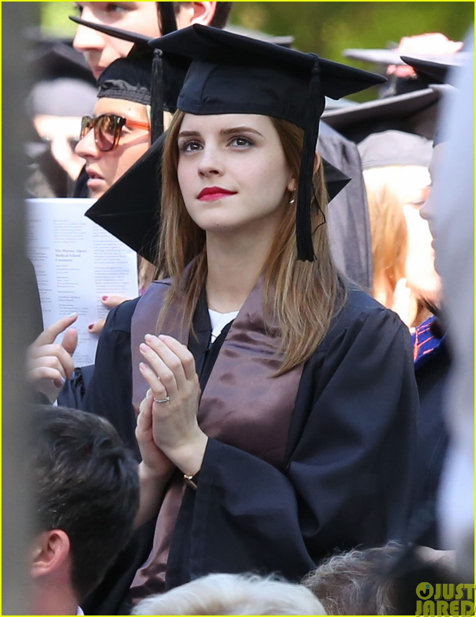 emma watson graduates brown university lit major013122080