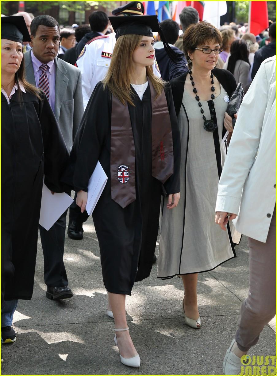 emma watson graduates brown university lit major023122081