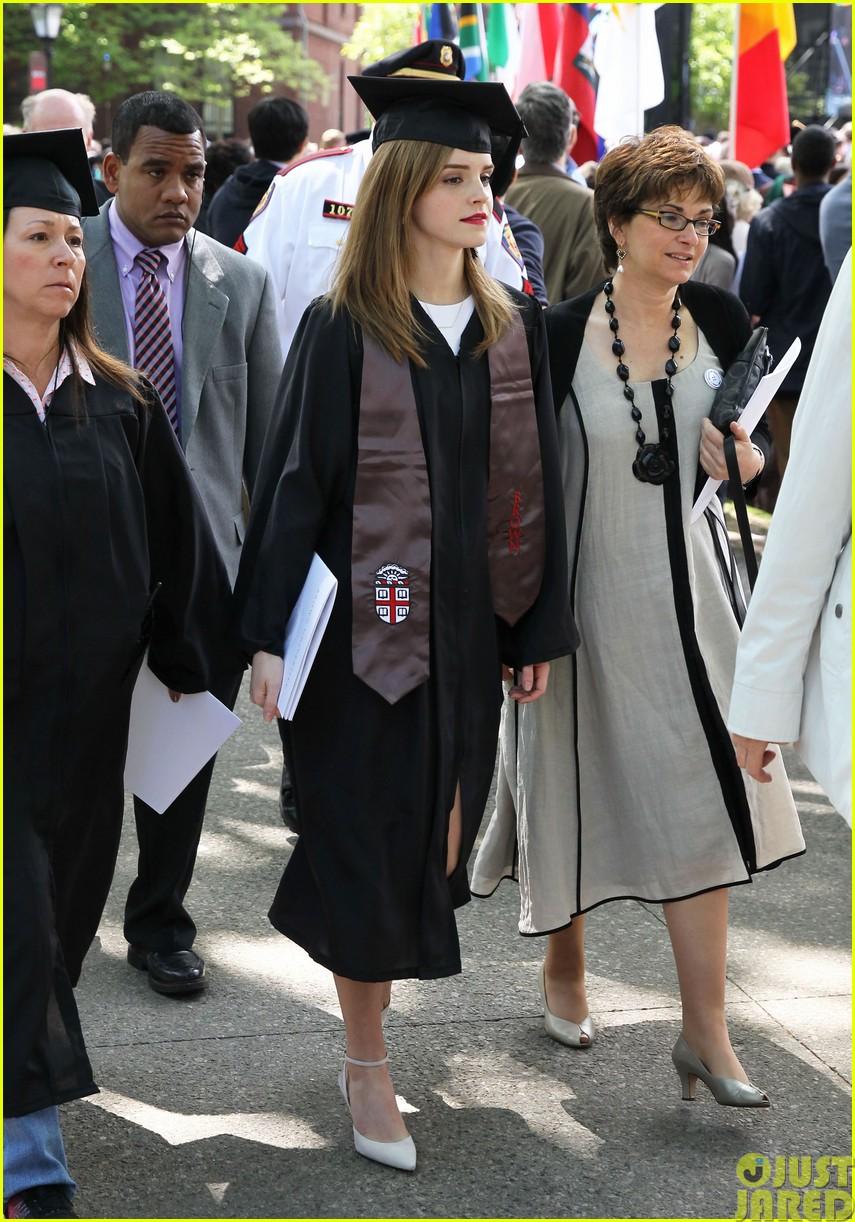 emma watson graduates brown university lit major133122092