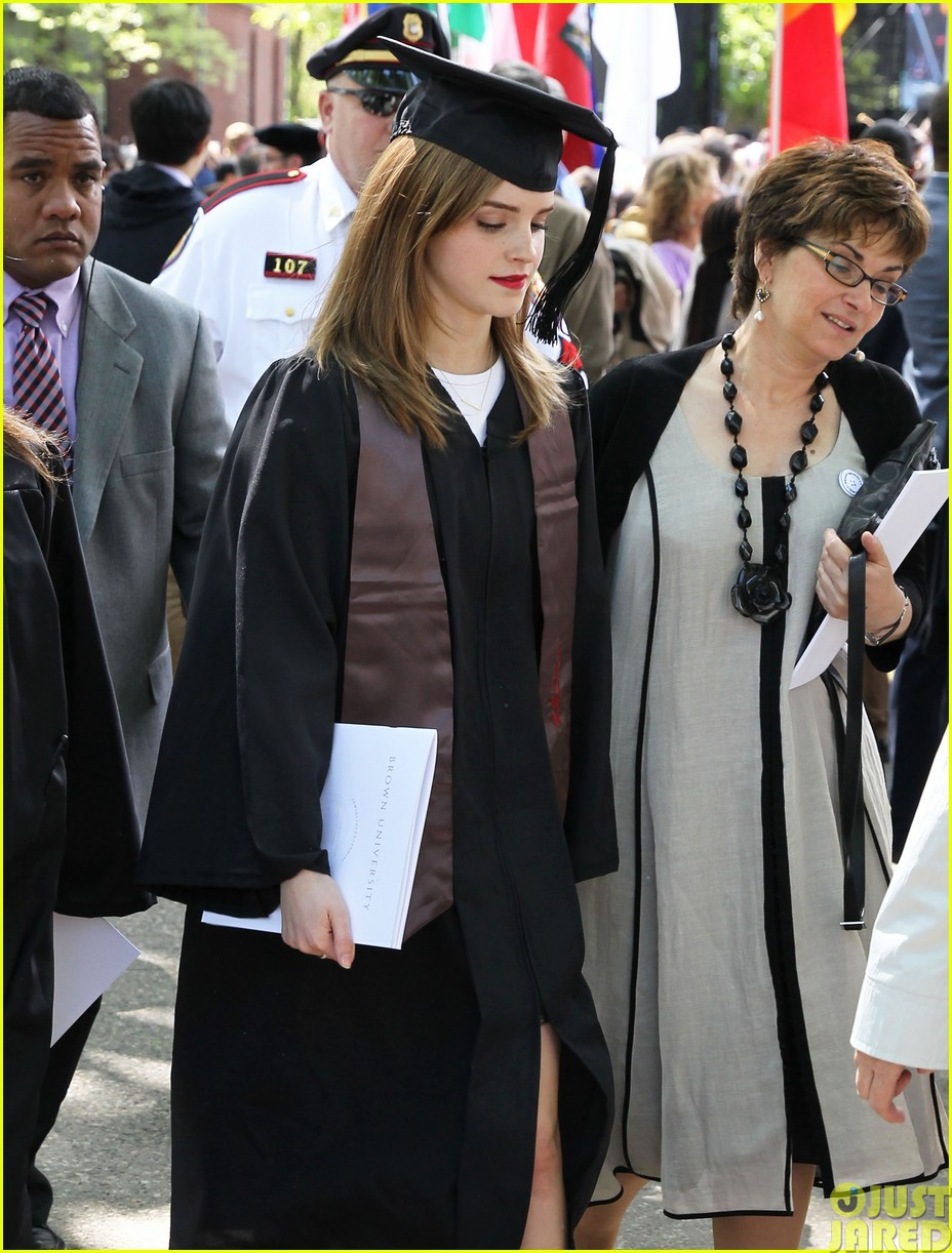 emma watson graduates brown university lit major143122093