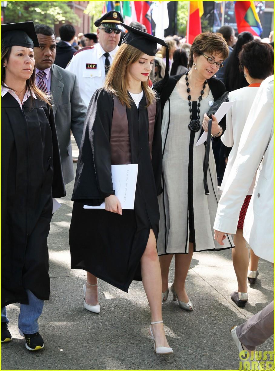 emma watson graduates brown university lit major153122094