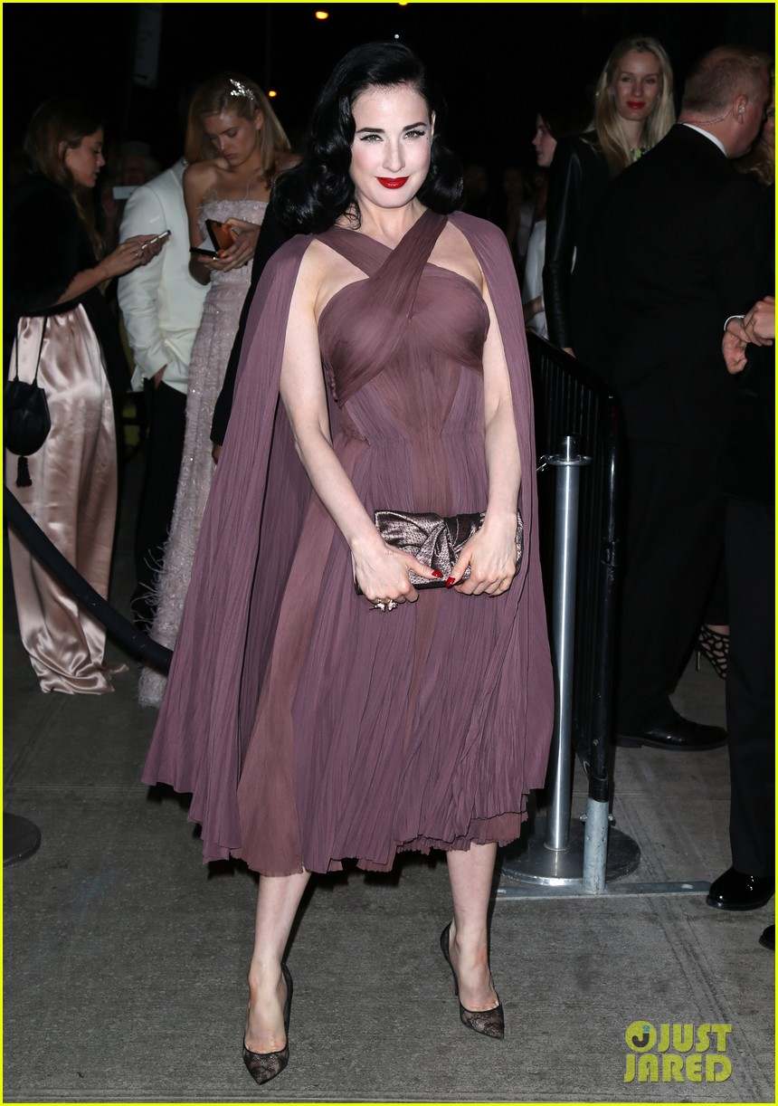 naomi watts dita von teese are party gals after met ball 2014 113106938