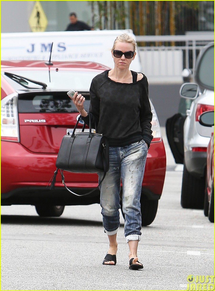 naomi watts works out with her bffs083121111