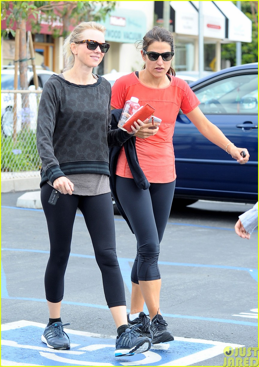 naomi watts works out with her bffs163121119