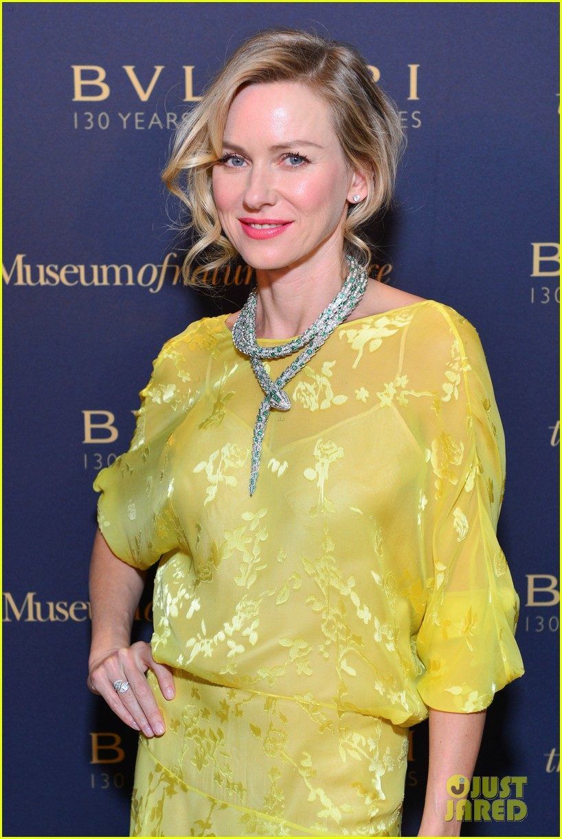 naomi watts wears gorgeous jeweled snake necklace to bulgari gala 033103208