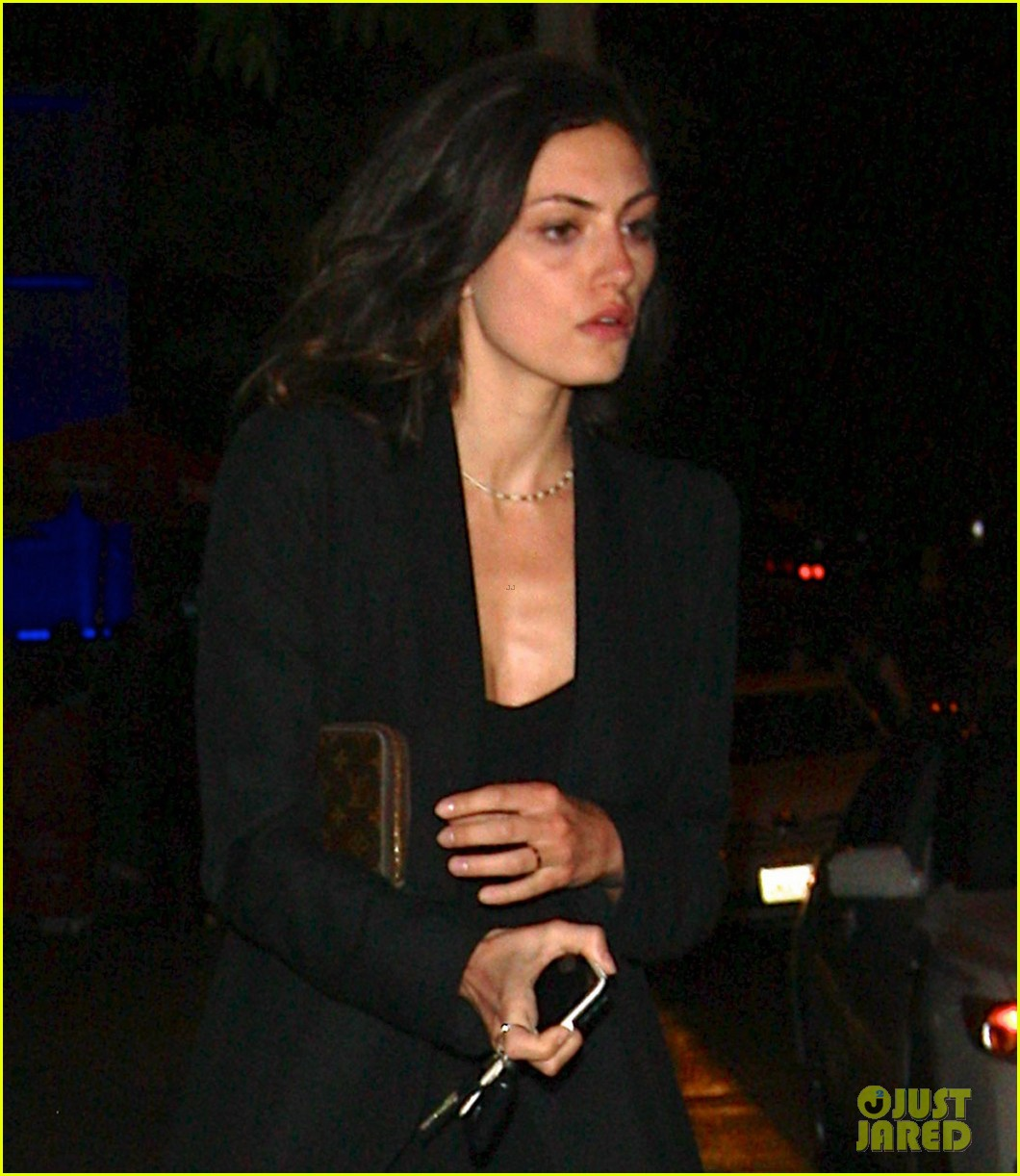paul wesley phoebe tonkin date night 01