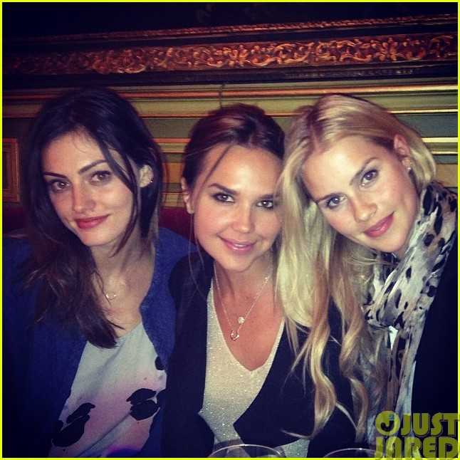 phoebe tonkin and paul wesley hang out with some originals023121575