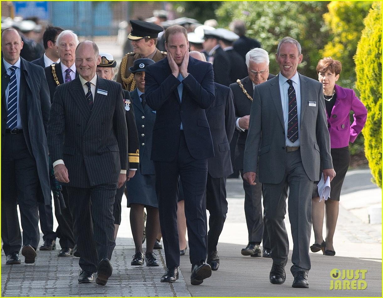 prince william knocks back scotch at royal navy museum 063111439