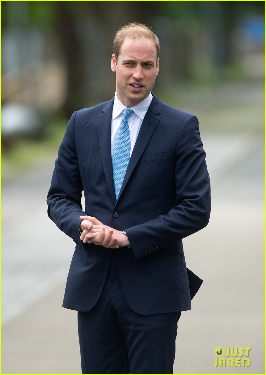 prince william knocks back scotch at royal navy museum 103111443