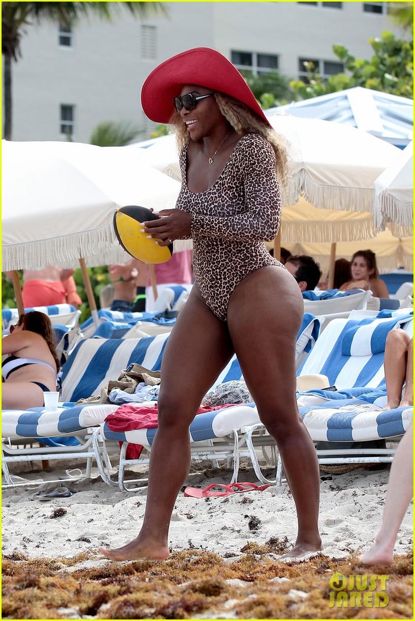 serena williams bootylicious beach caroline wozniacki 143125523