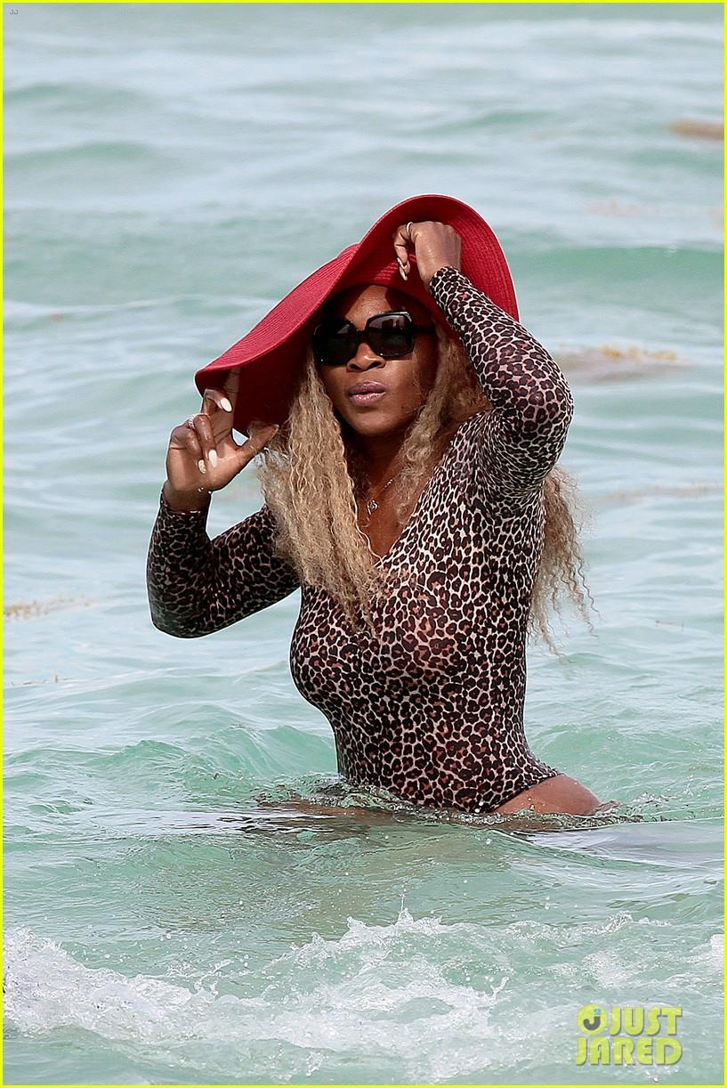 serena williams bootylicious beach caroline wozniacki 243125533