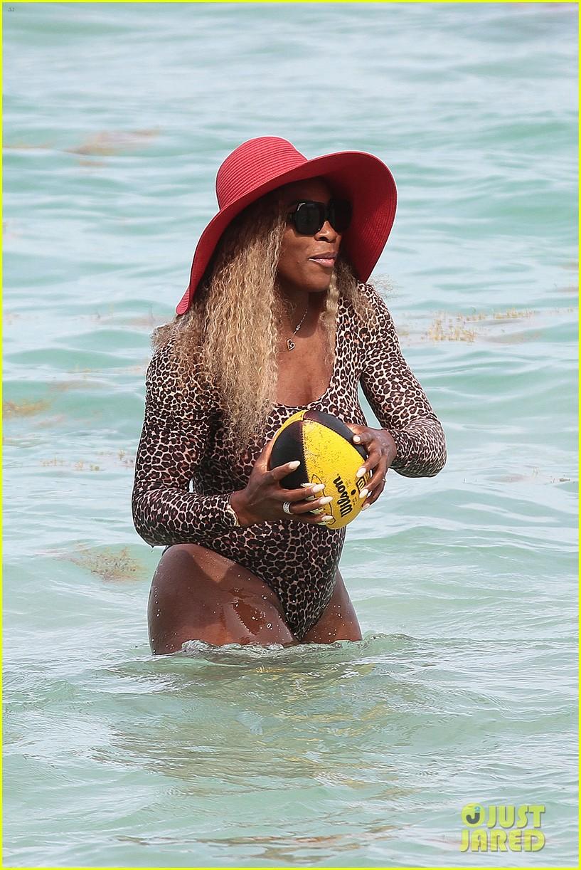 serena williams bootylicious beach caroline wozniacki 343125543