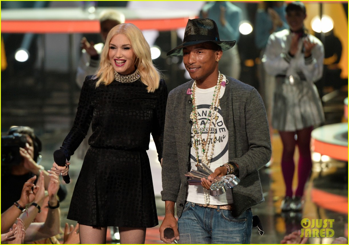 pharrell williams iheartradio music awards 2014 023103600