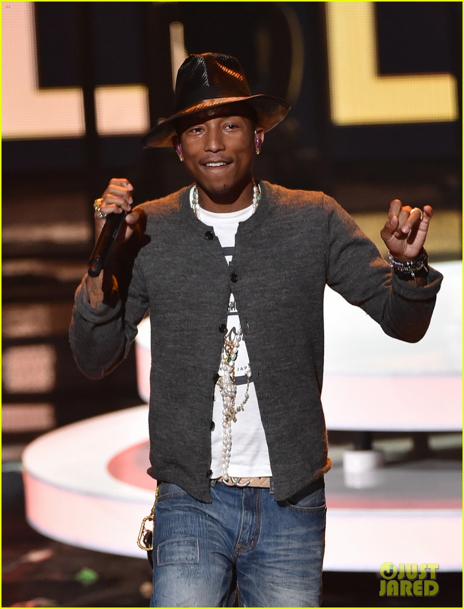 pharrell williams iheartradio music awards 2014 113103609