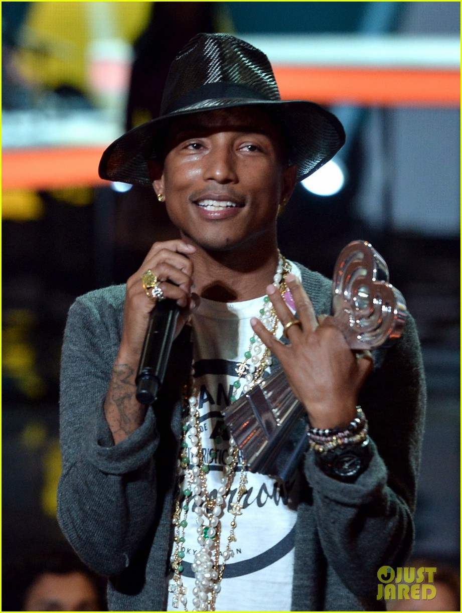 pharrell williams iheartradio music awards 2014 143103612
