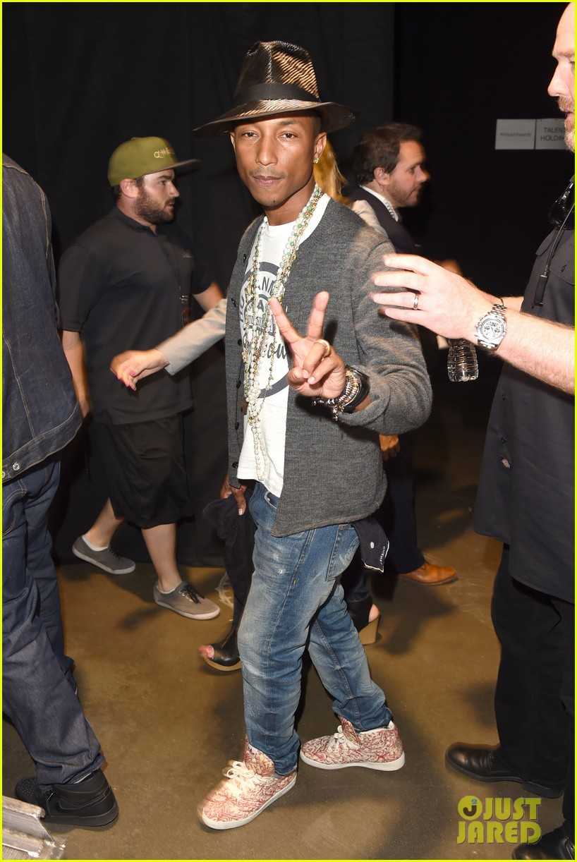 pharrell williams iheartradio music awards 2014 203103618
