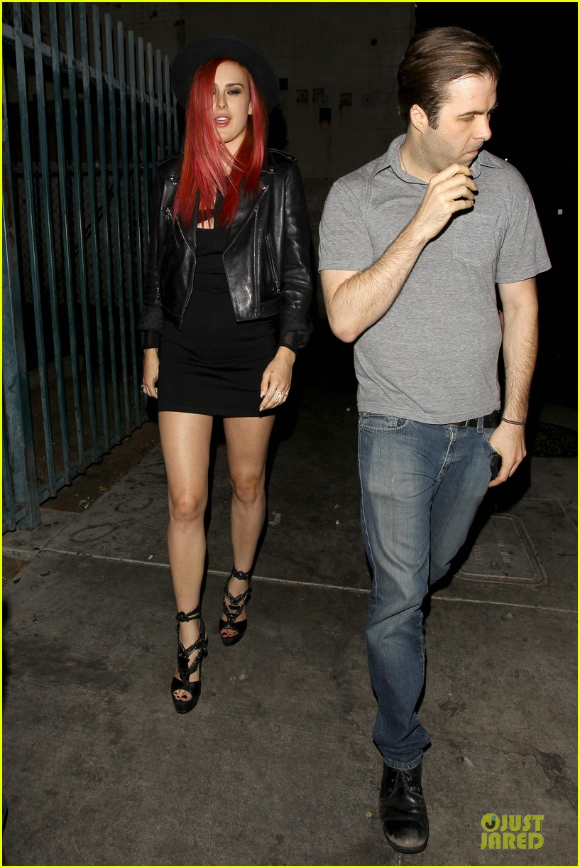 rumer willis heats it up with red hair 083115379