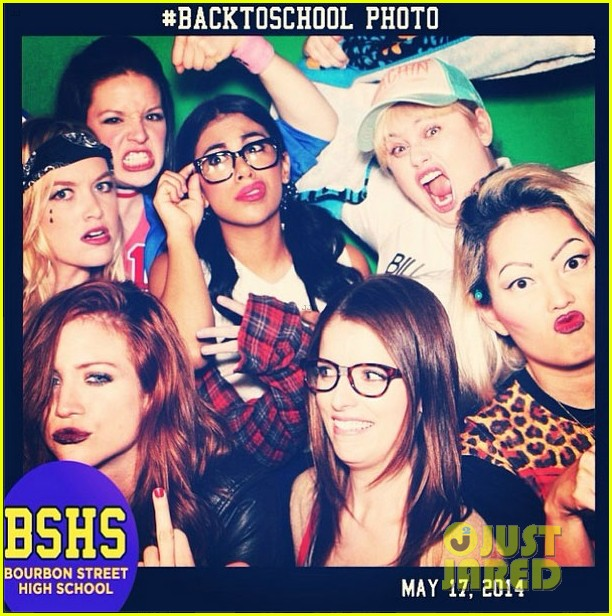 pitch perfect 2 back to school party 013117694
