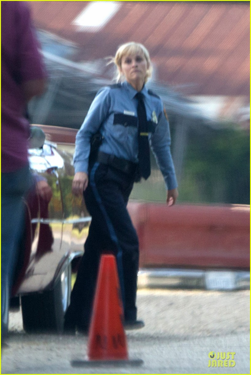 reese witherspoon tough cop sofia vergara 163117926
