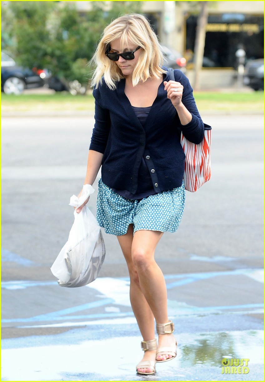 reese witherspoon time to bring back missing girls 053109974