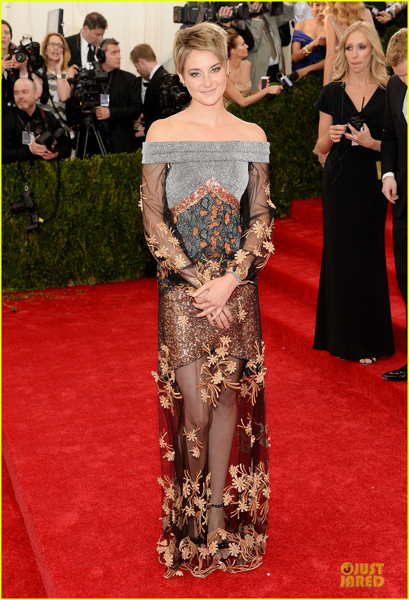 shailene woodley gets animated met ball 2014 013106251