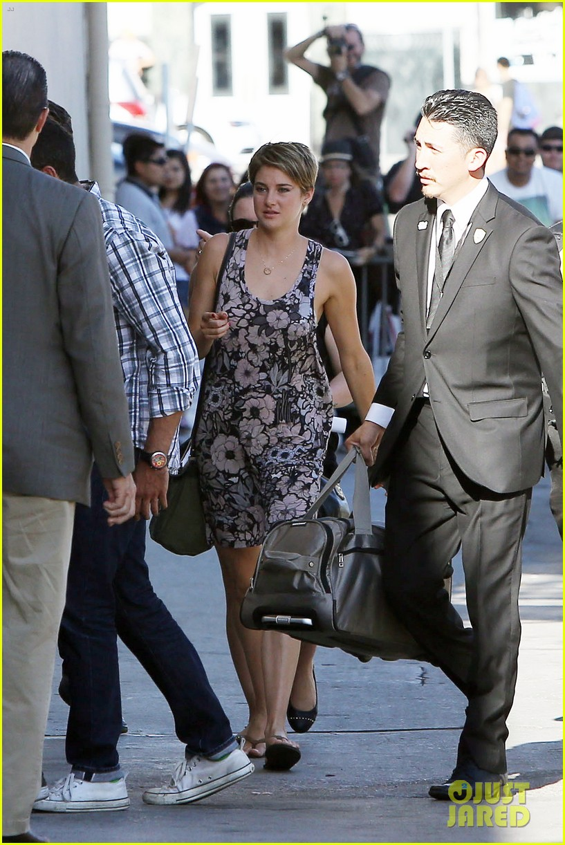 shailene woodley possesions one suitcase 293114837